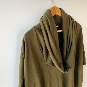 SILENCE + NOISE olive green poncho top size M / L